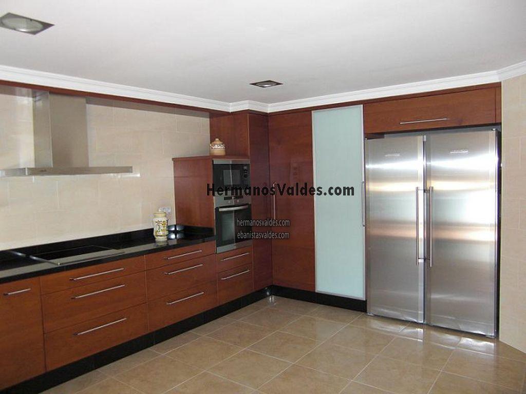 Muebles de cocina con granito negro for Cocinas con granito negro