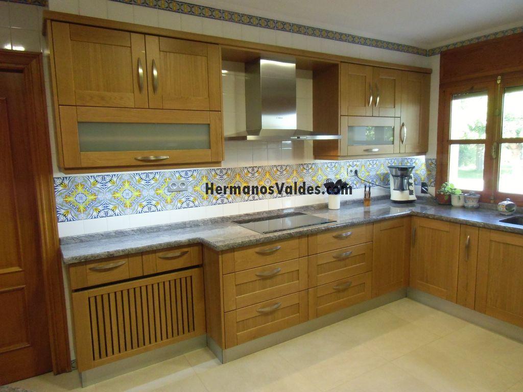Muebles de Cocina  Cocinas Rústicas  Ref 3020  HERMANOS VALDES