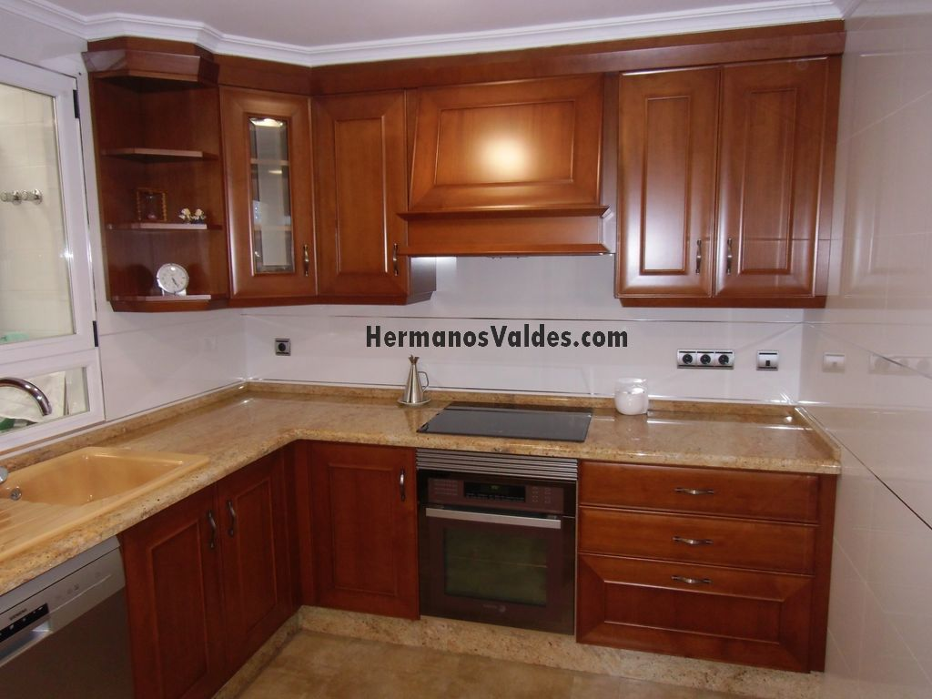 Muebles de cocina clasicos el granito es todo un clsico for Muebles cocina clasicos