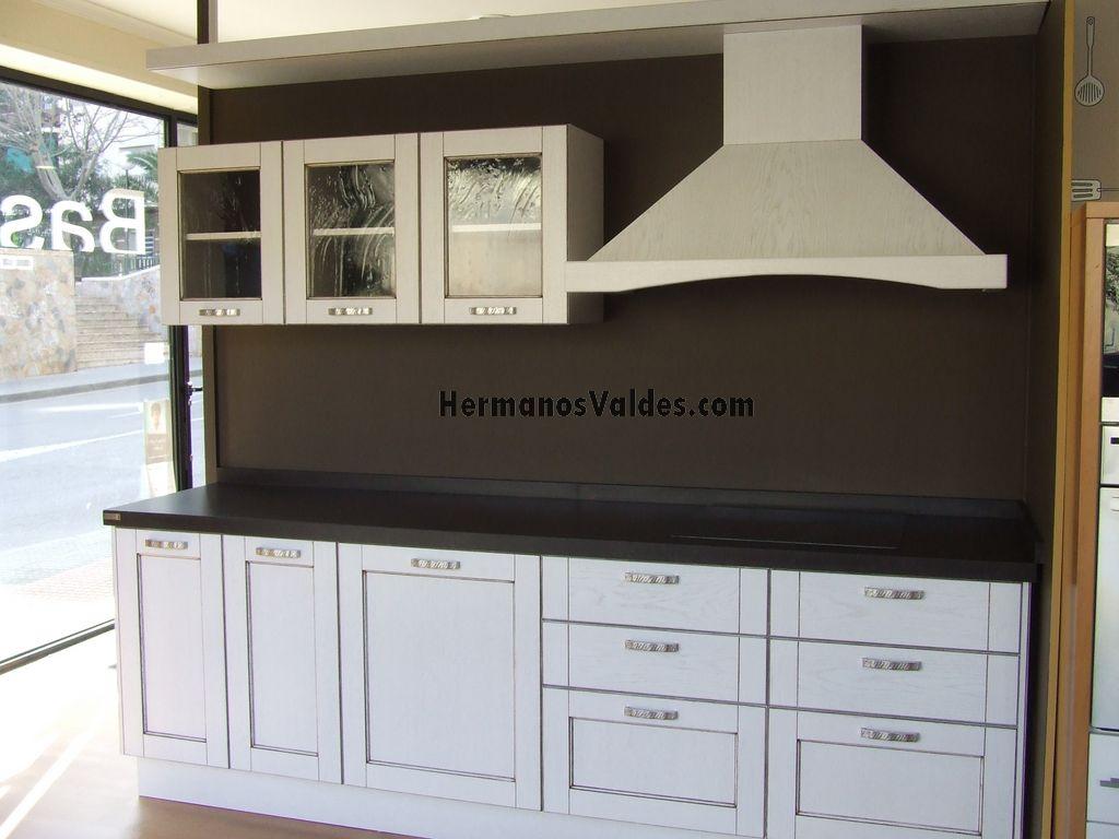 Muebles de cocina hermanos vald s armarios y vestidores a medida alicante - Cocina con campana decorativa ...