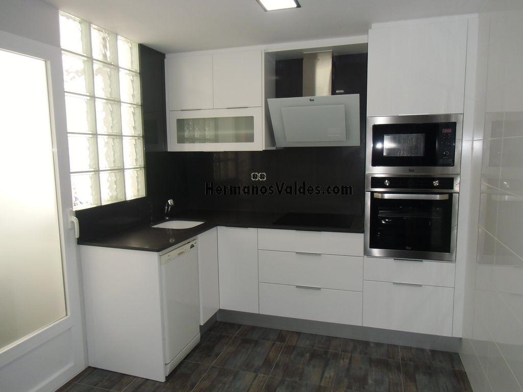 Muebles de Cocina  Cocinas de Diseño  Ref 2035  HERMANOS VALDES
